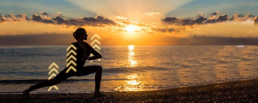 Yoga en la playa para sentirse bien